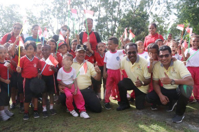 Wakil Walikota, Sekda, Kepala Dinas Pendidikan Bersama Anak-Anak Usia Dini