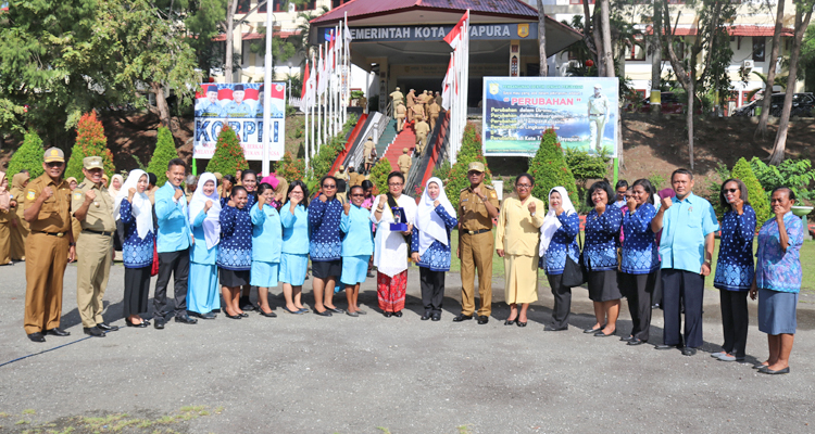 Walikota Dan Wakil Walikota Bersama Ketua Dan Jajaran Bunda PAUD Kota Jayapura