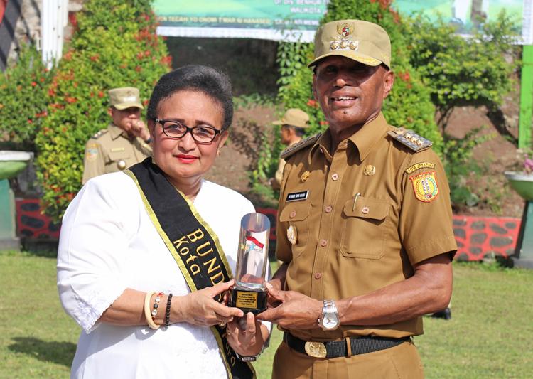Walikota Jayapura Dan Ketua Bunda PAUD Kota Jayapura