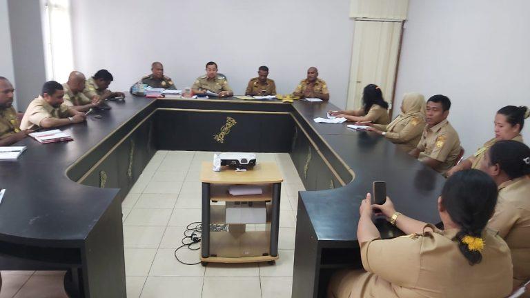 Wakil Walikota Didampingi Staf Ahli Ketika Melakukan Sidak Di DPMPTSP