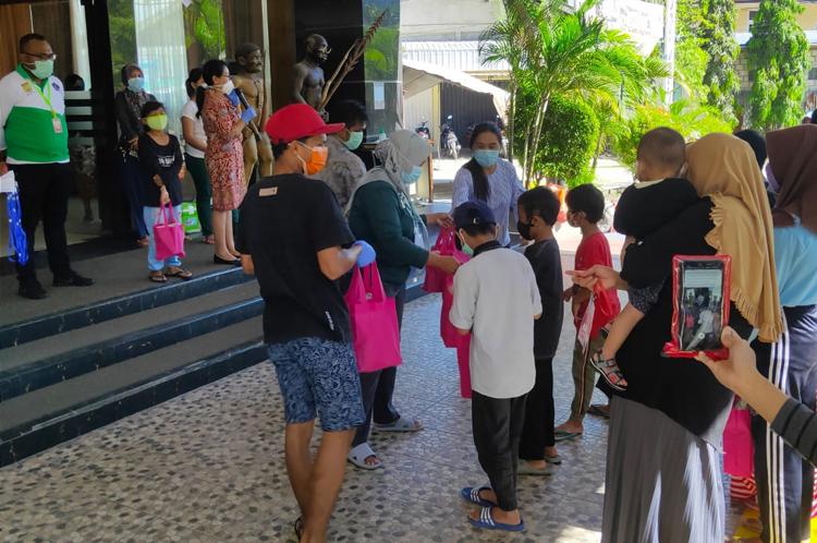 Suasana Pelepasan Pasien Sembuh di Hotel Sahid Jayapura